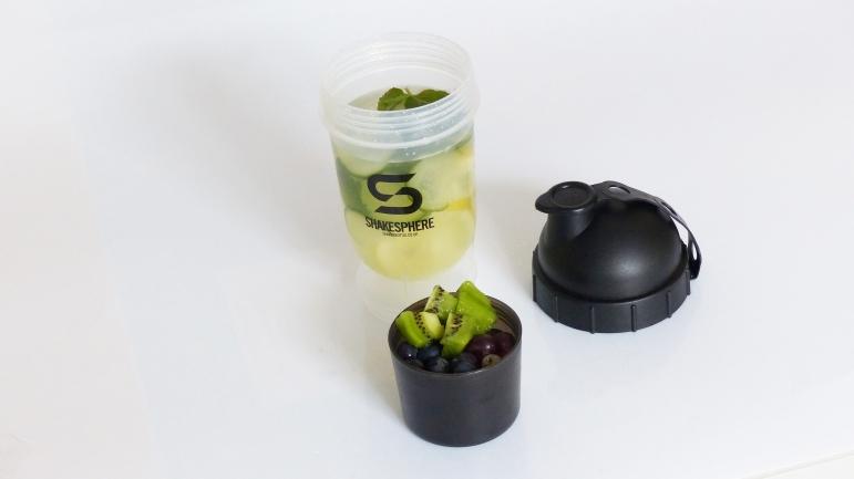 detox_water_fruit